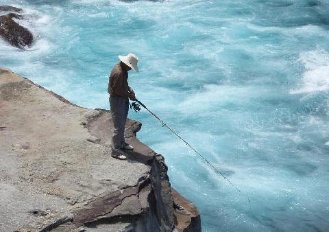 釣りをする人